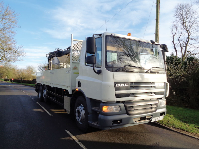 DAF CF75.310 DROPSIDE TRUCK WITH ATLAS 120.2 CRANE